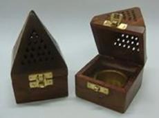 Incensario Pirámide de madera - Laura Casart